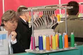 a0751d435d1eb Na targach prezentowanych było ponad 700 marek odzieży, bielizny i obuwia,  akcesoriów! Spektakularne wzrosty odnotowały Salony Kontraktacji Next  Season, ...